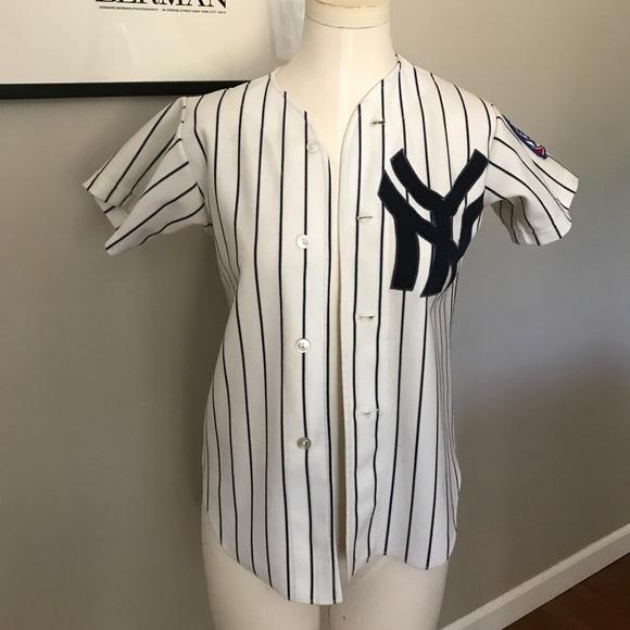 Old School Yankees Jersey. M 59e40d125c12f8dfc709a0ba 1c7696c86f5