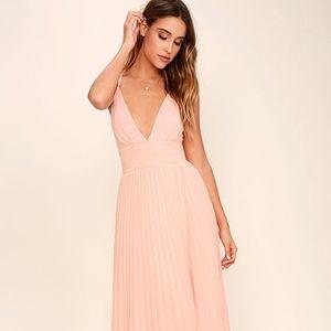 Lulu's Peach/Pink Pleated Maxi Dress