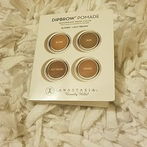 Brow color sample pallet