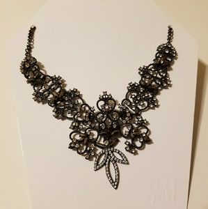 NWT H&M statement necklace
