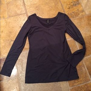 Rue 21 solid charcoal V-neck long sleeve T-shirt