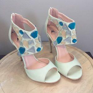 Madison by Shoe Dazzle Embellished Heels Size 7.5