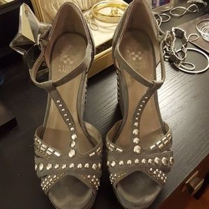 Vince Camuto gray suede wedge