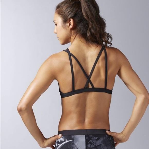 19016f73193 Reebok Crossfit skinny double strap bra. M 59e4197a9818293f9e0a0964
