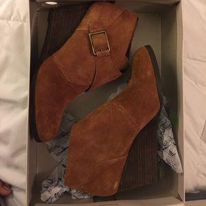 Lucky brand buckle tan wedge booties