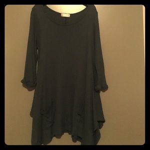 Altar'd State Green long sleeve pocket tunic