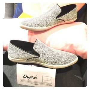 Shoes - Qupid blk/white spotted slip-ons Size 9.5