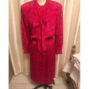 Vintage Pink dress with long sleeves