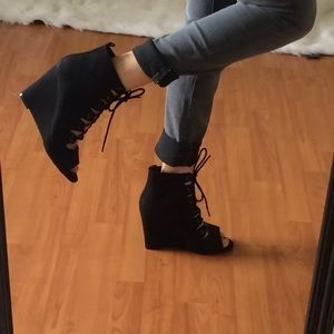 Forever 21 lace up wedge booties 8