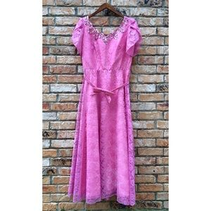 Vintage 1970s pink lace formal dress