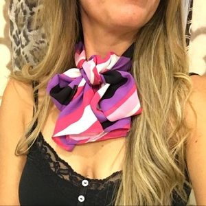 Accessories - Bundle of classy, decorative scarves