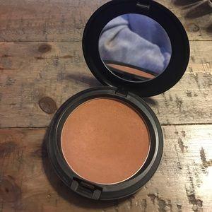 MAC Deep Dark Blot Powder ❤️