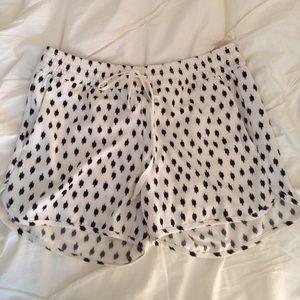 *BANANA REPUBLIC* cream and navy drawstring shorts