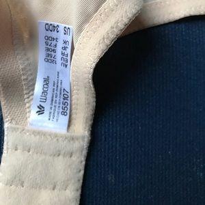 f5f4fdde60bce Wacoal Intimates   Sleepwear - NWT Wacoal 855107 Alluring Underwire Bra Nude  34DD