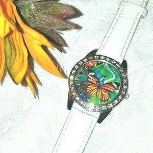 Jewelry - New Butterfly Crystal Bezel Watch
