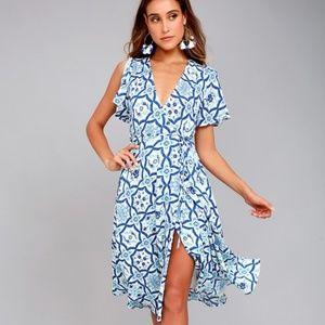 Dresses & Skirts - Blue Tiled Print Wrap Dress