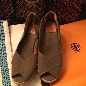 Tory burch wedge /size 6