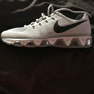 Woman Nike Run Easy Shoes Never Worn