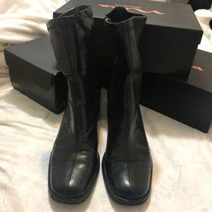 AEROSOLES Black Booties w/ chunky heel