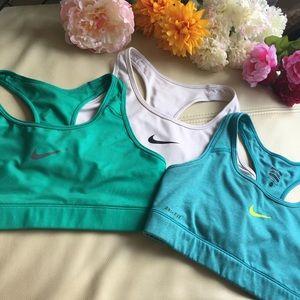 Nike Pro sports bra bundle size M