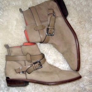 COACH Leoda Nubuck Leather Ankle Booties Boots 8
