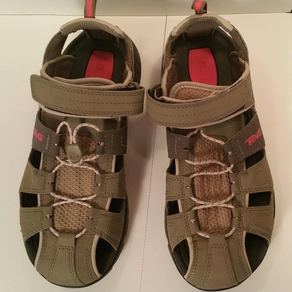 Teva Schuhes   Sandales Größe 9 Men10 Damens Graypink    Graypink Poshmark a50da4