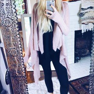 Sweaters - Blush Gemeni