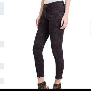 Denim - Distressed denim jeans