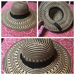 BCBGMaxAzria Straw Hat Size Small