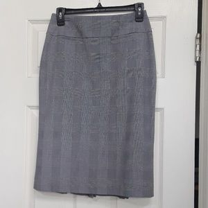 Houndstooth plaid pencil skirt
