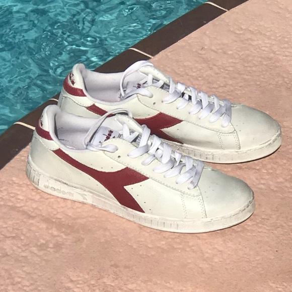 f3f86f0ea8 Diadora distressed mens sneakers, size 9
