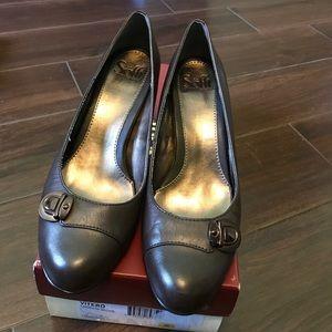 • Sofft chocolate heels, 8.5 •