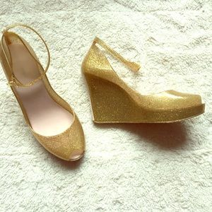 ✨ Modcloth Gold Glitter Peep-Toe Wedge Heels ✨