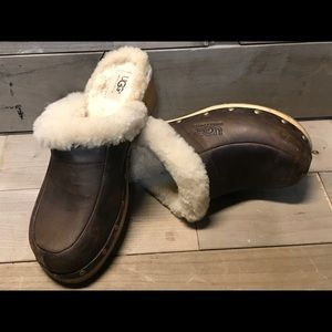 UGGS size 7.5. Wooden clogs with fur inside!
