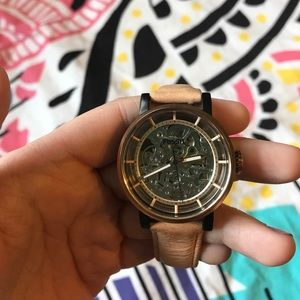 Wind up fossil watch
