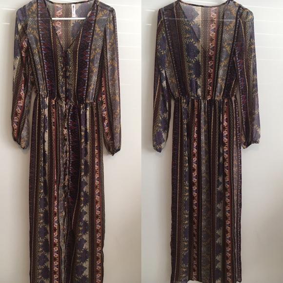 Dresses & Skirts - Xhilaration Boho Maxi Dress