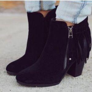 ❤️NEW❤️ Black Vegan Leather Suede Heel Booties