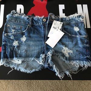 Zara shorts size 42
