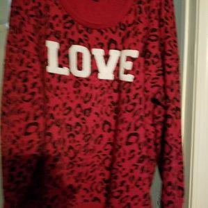 """""""love """" red sweatee"""