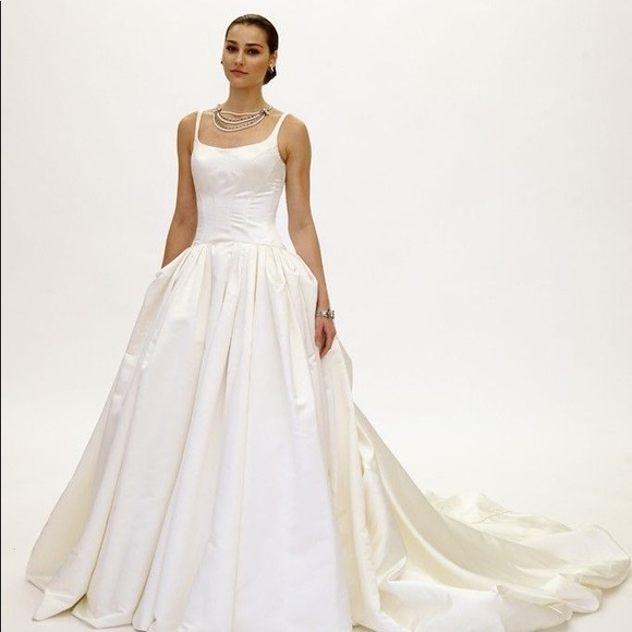 46fe8e7bc6 TRULY ZAC POSEN SATIN WEDDING DRESS WITH PLEATING.  M 59e4ea4b41b4e0ba840c84db