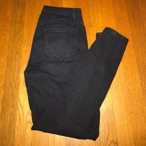 FOREVER 21 - Black High Rise Skinny Jean - size 27