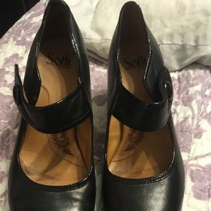 Used sofft brand dress shoes size 9n