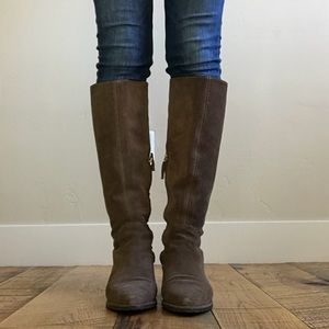 Zara knee high brown leather boots 👢