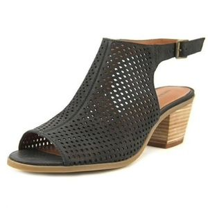 Lucky brand peep toe sandals