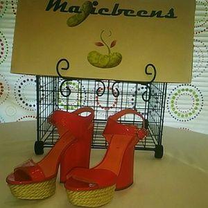 NWOT Via Spiga Red Strap Platform Sandals