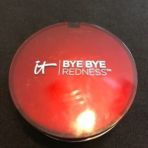 It cosmetics bye-bye redness light beige powder