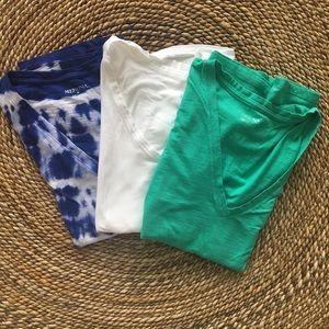 3 shirt bundle of Merona Vnecks