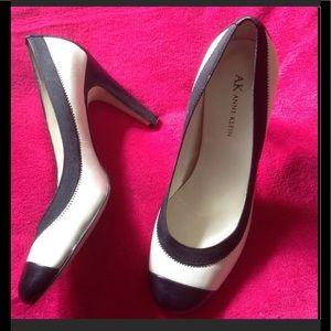 black/white color-block leather high heel pumps