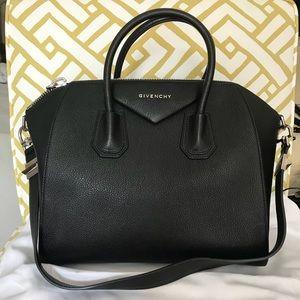 Givenchy Antigona medium sugar leather satchel