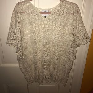 CABI - Cream Lace Short Sleeve top - Size XS